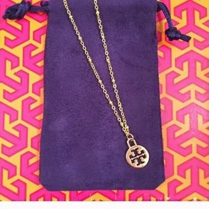 """🎉🎊🛍 TORY BURCH CHARM w/ GOLD 18"""" NECKLACE"""